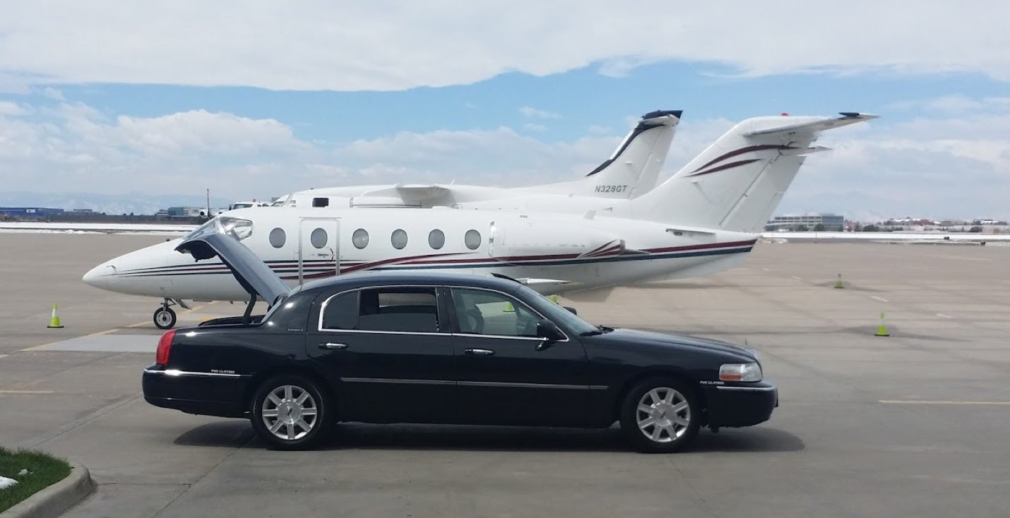 Centennial Airport Town Car Service. Lincoln Town Car & Private Plane